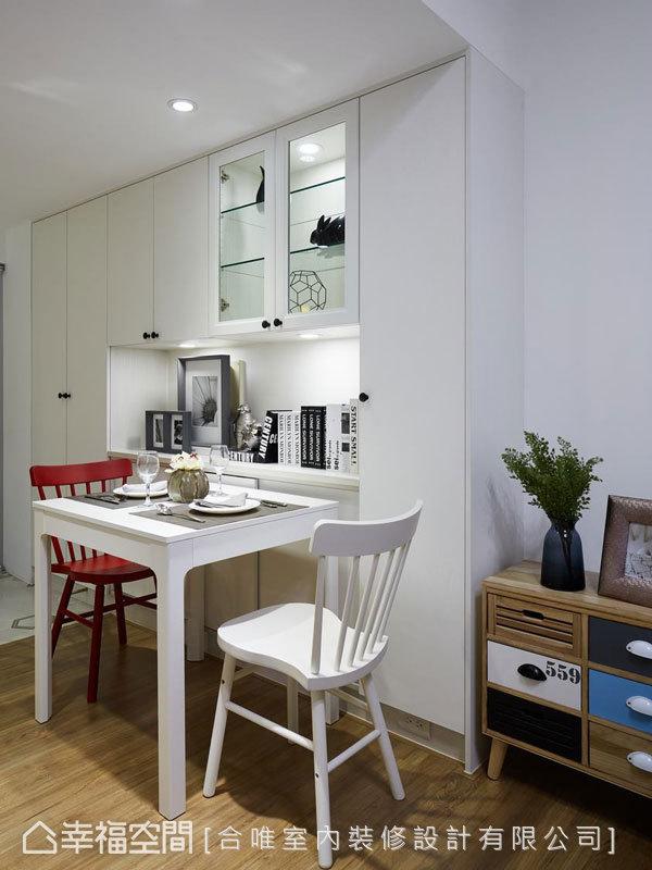 從矮櫃、餐桌、座椅,無一不選用符合北歐簡約風格的家具,貫徹全案設計主軸。