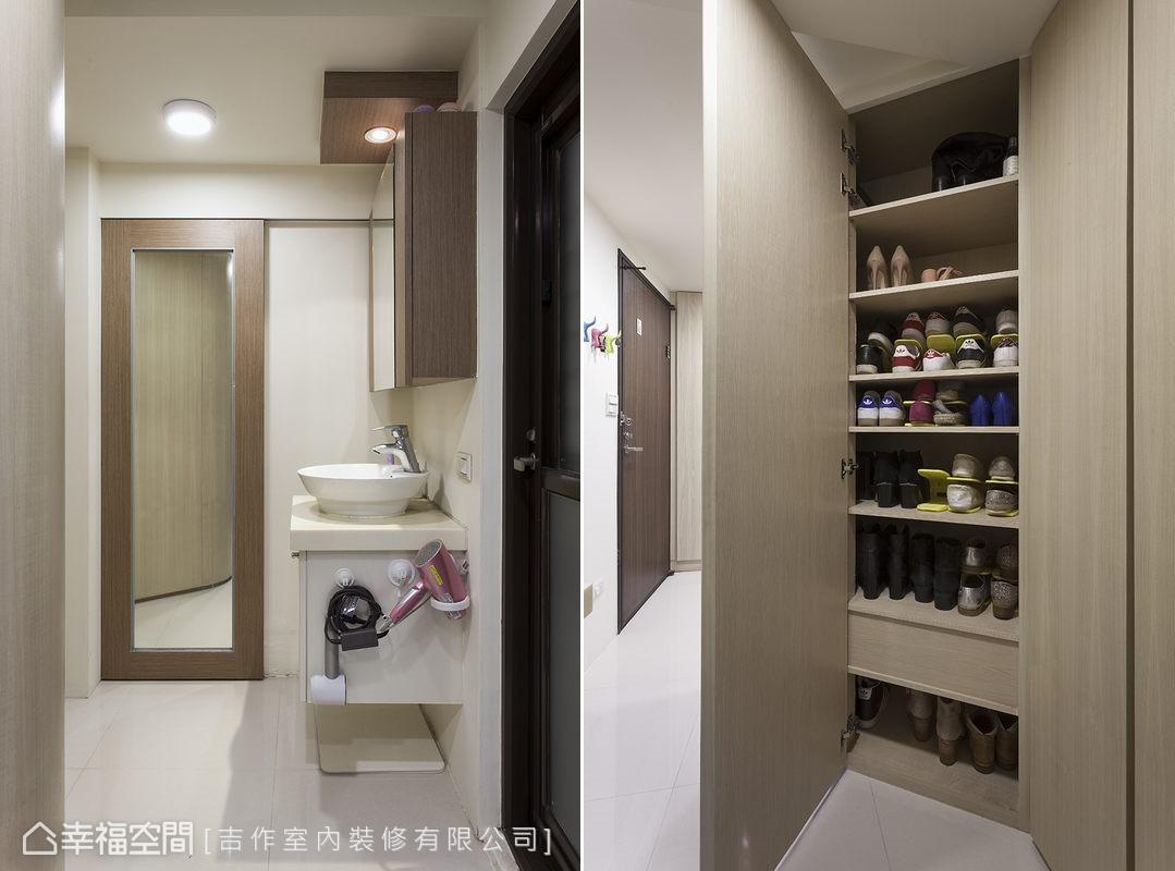 沿用建商規劃的衛浴配置,增加鏡面拉門等實用機能,主牆轉向後,這個空間多了隱蔽性,成為屋主梳洗、外出時的實用角落。
