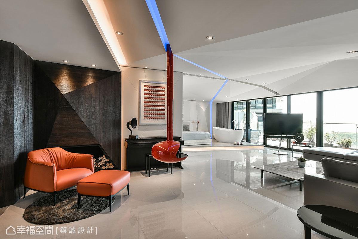 天花板以紅色暖爐為中心,讓藍色線性燈帶穿梭其中,彷彿像是閃電造型相當吸睛,線條綿延更具有視覺引領作用。