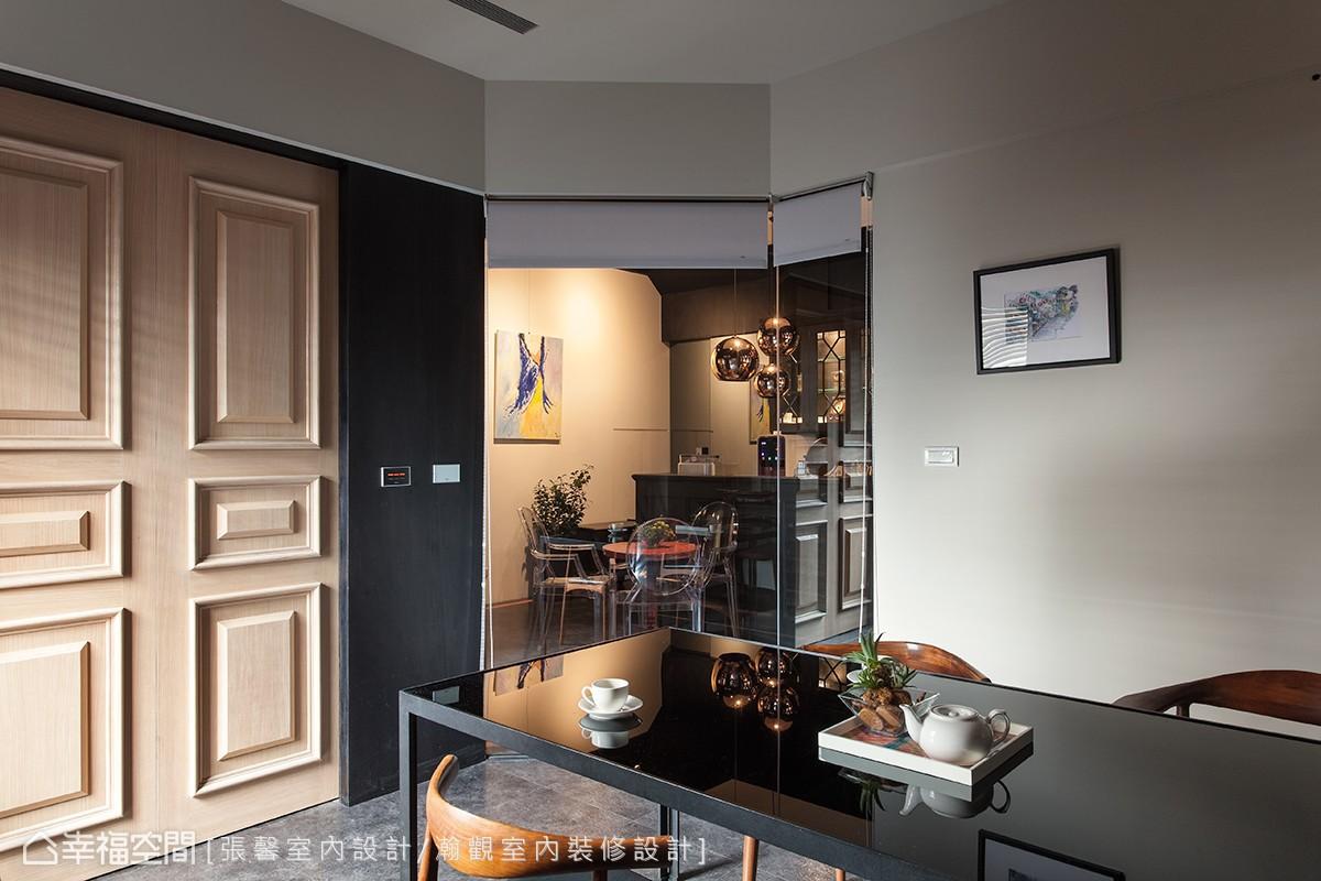 訪客在會客室等待時,可以透過玻璃看到同事準備咖啡或餐點,就像是到朋友家裡拜訪,等待主人招呼的溫暖與親切感。