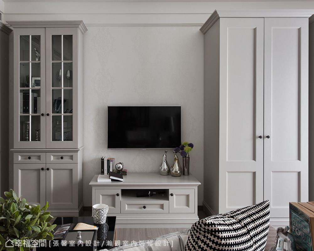 精簡的方正線條,配合適宜的傢俱比例,打造舒適又時尚的現代小豪宅。