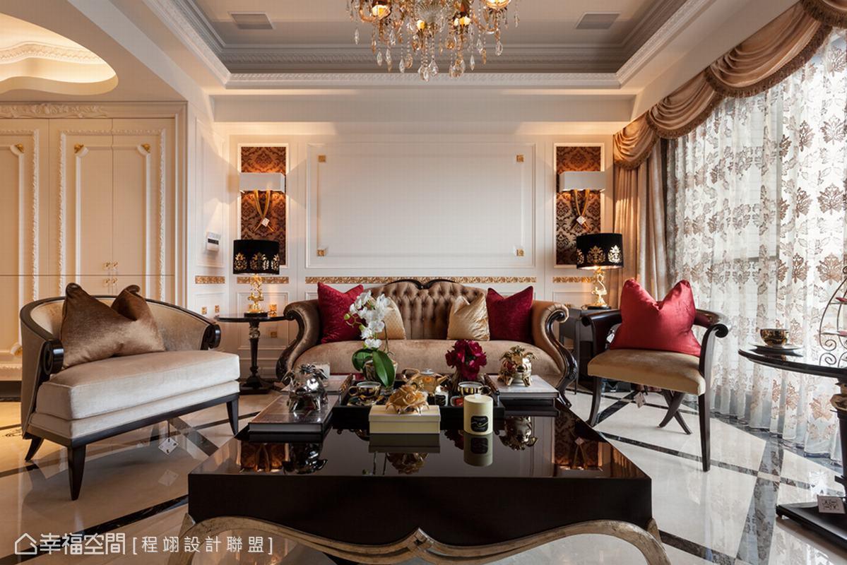 設計師需在五十坪空間裡,以屋主指定的純金語彙串連出百坪居家視野。