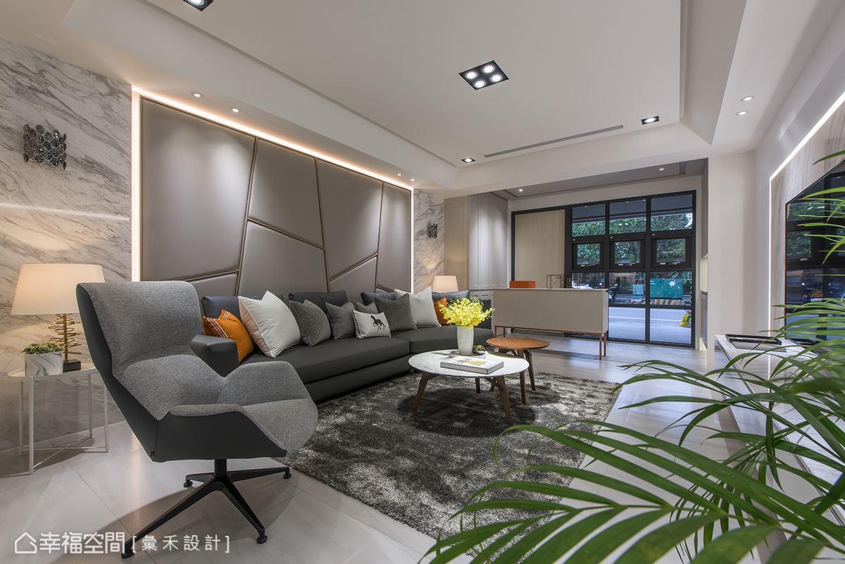 蔡林沖設計師以繃布、地毯、抱枕及圓桌柔和石材冰冷的距離感。