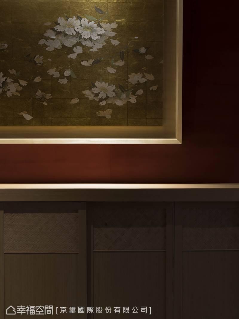 金箔藝術創作—「散花圖」,綻放微乎其微的光澤,增添一抹清麗奢華質感。