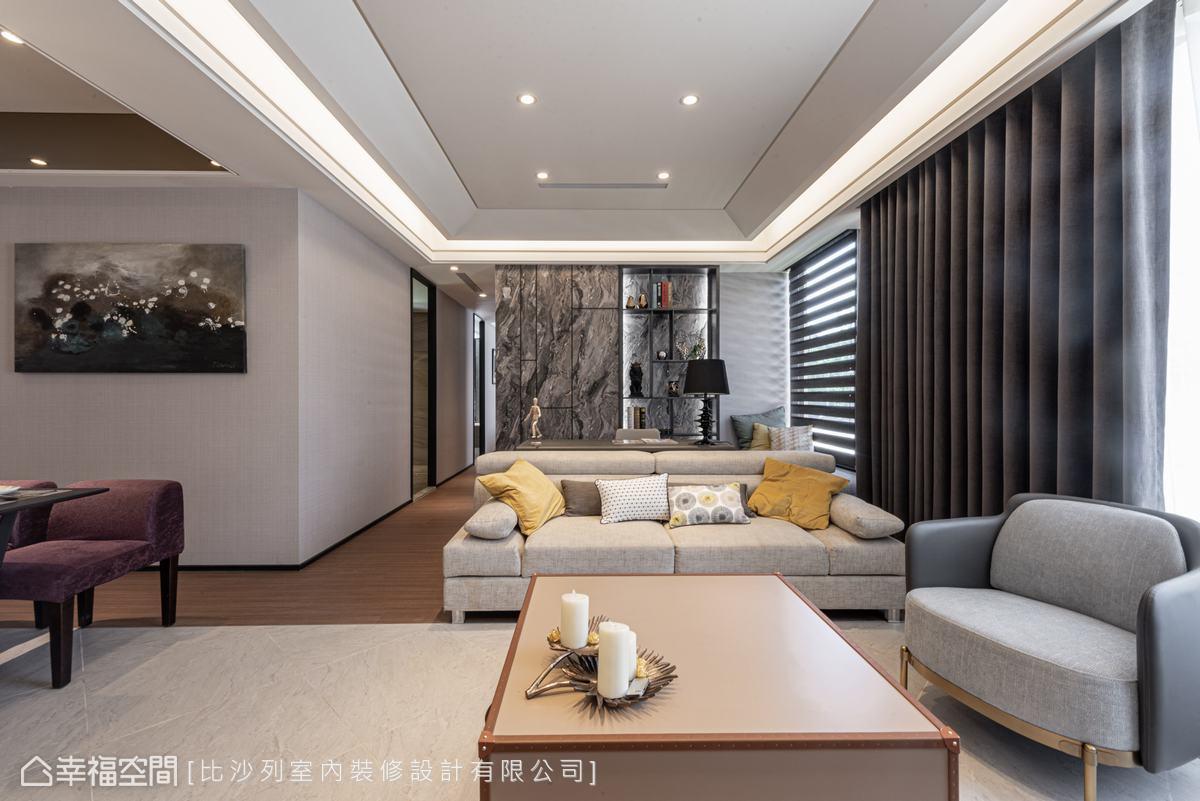 天花以細膩線板裝飾,成為格局的分野,有拉高視線的效果,讓空間放大。