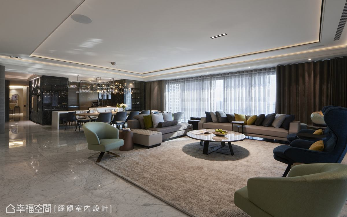 通透敞亮的公領域利用家具界定場域,賦予豁然開朗的舒心感受。