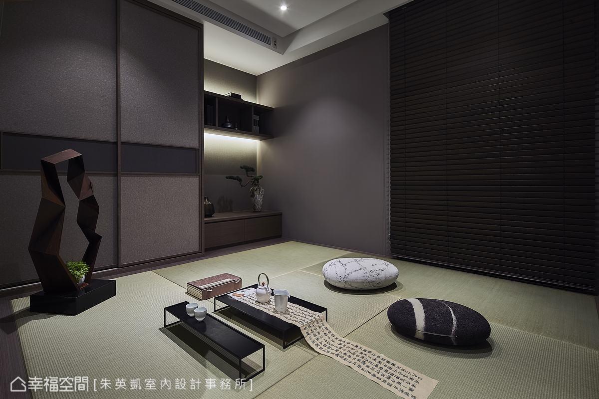 三樓的空間另外配置了和室,鋪設了榻榻米呈現濃濃的日式氣息,當有客人來訪時也可作為客房使用。
