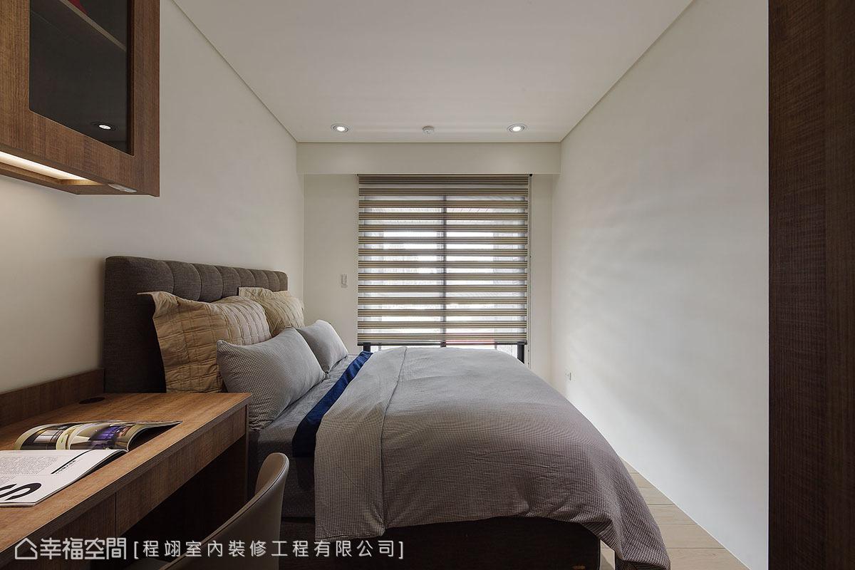 屋主重視良好採光,每間臥房都能接收和煦日光,為室內空間增添馨暖表情。