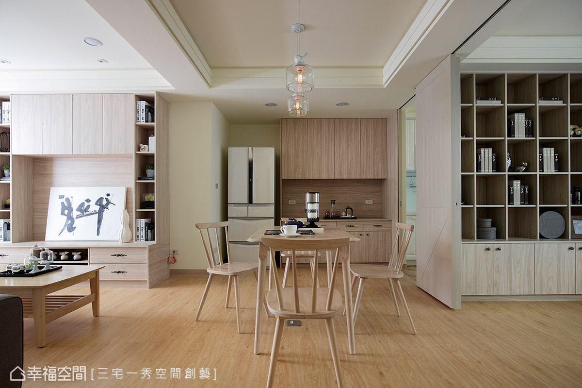 全室地坪以木地板鋪陳,讓溫潤寫意氛圍蔓延一室。